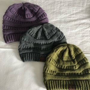 Accessories - Set of 3 knit beanies